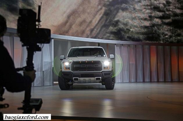 Ford Raptor 6