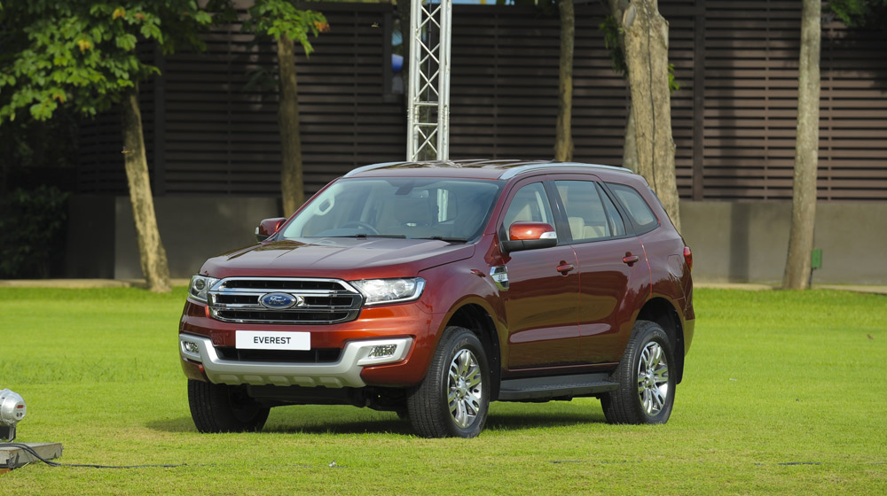 ford-everest-2.2-titanium-mau-do