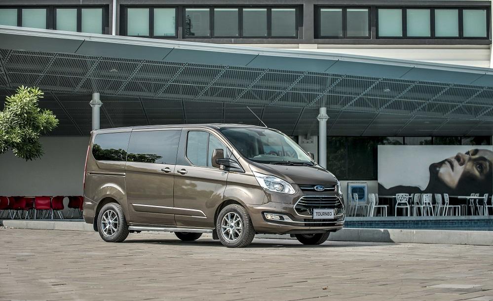 Ford Tourneo 2020 mới- 02 phiên bản