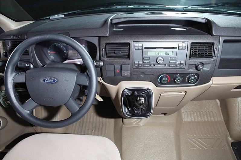 Ford Transit Van hoán cải – 03 và 06 chỗ