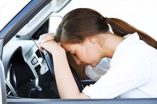 lái xe tránh nóng