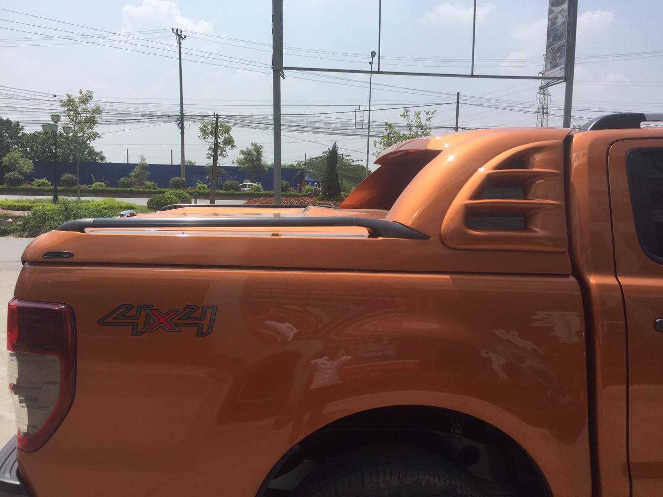 ford-ranger-thung-mang-ca-6