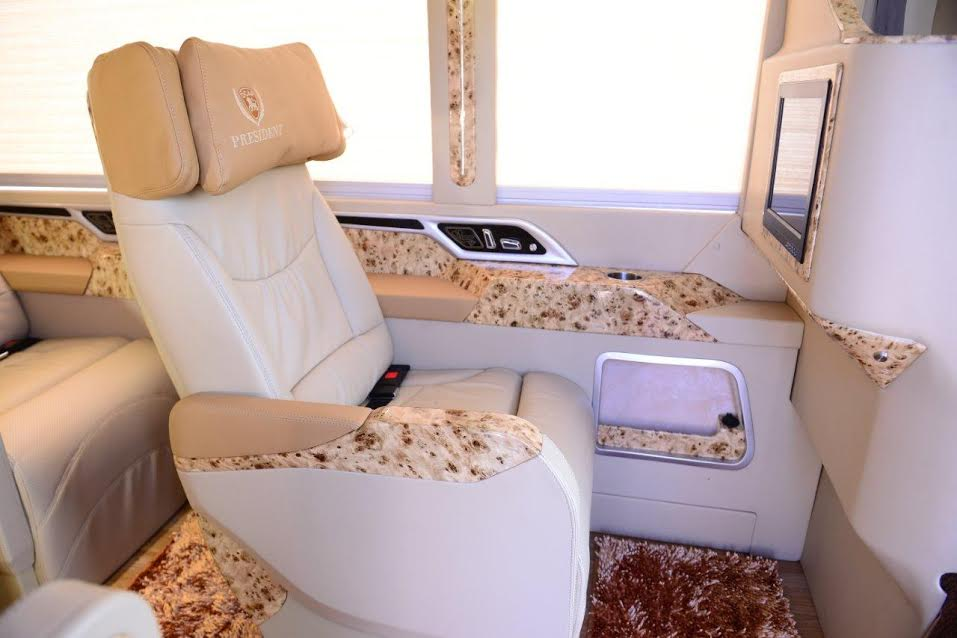 Fuso Limousine 2