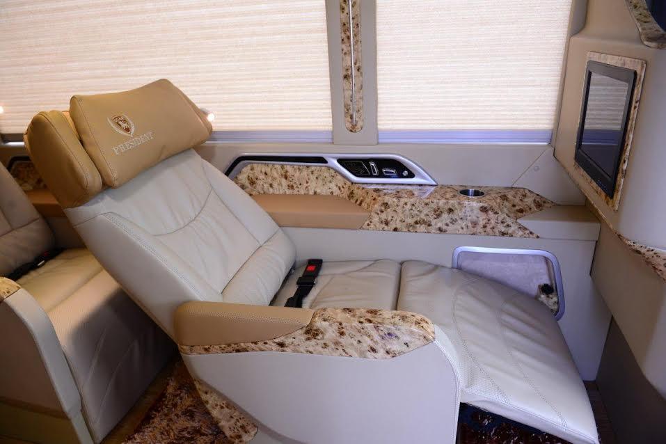 Fuso Limousine 3