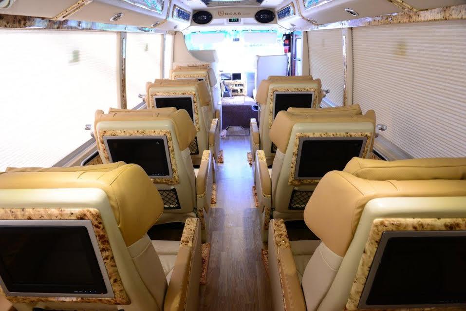 Fuso Limousine 7