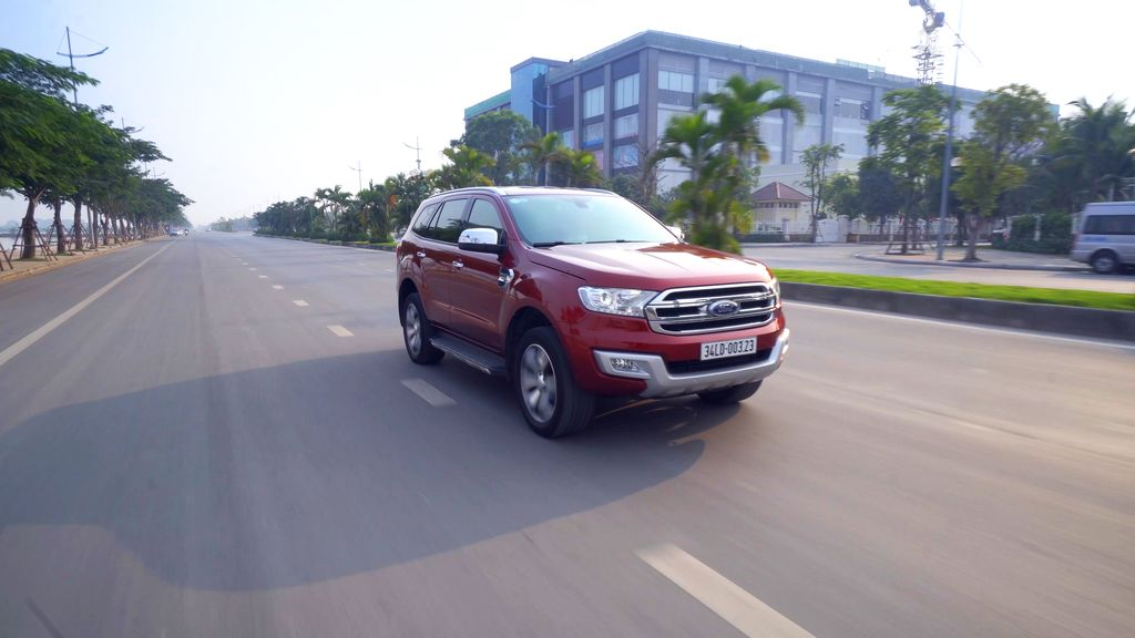 Ford Everest 2017 1