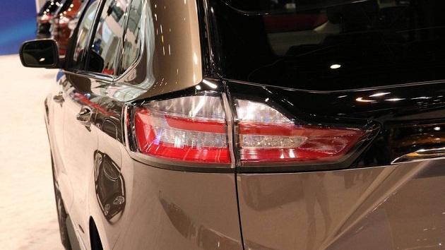ford-edge-titanium 3