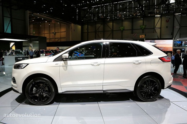 ford-edge-st-line 7