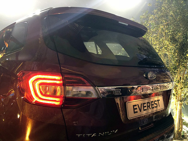 Ford Everest mới 4